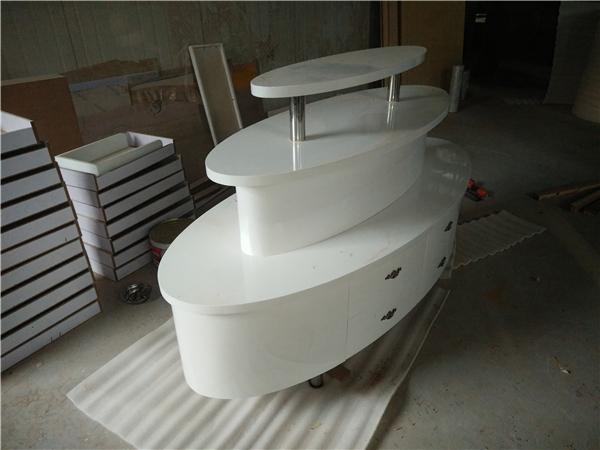 橢圓形白色烤漆化妝品展台-上海品美展櫃廠